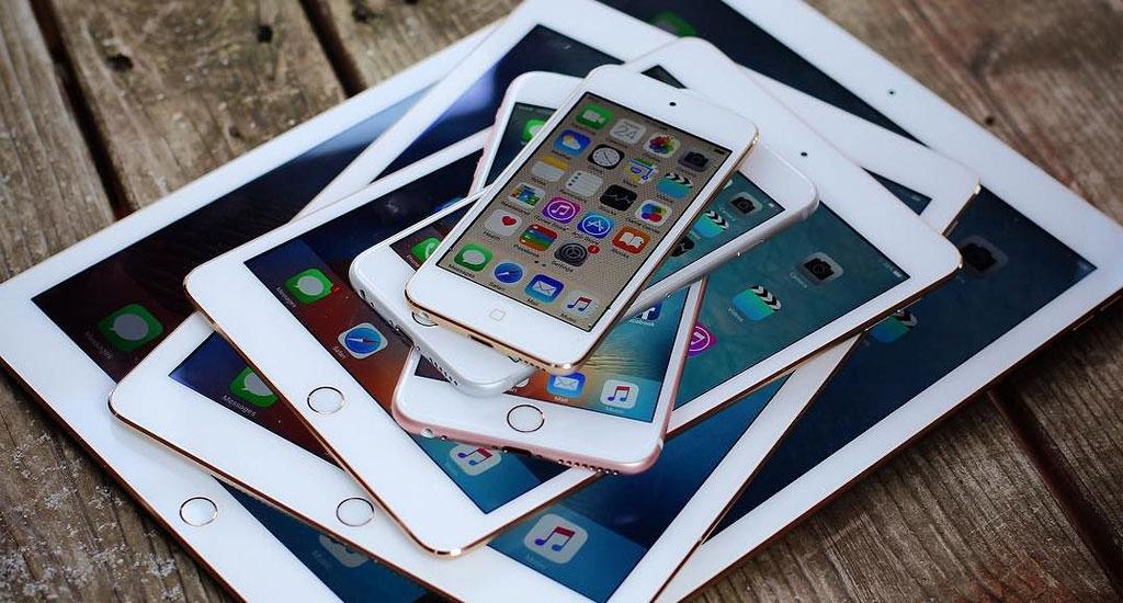 Tutti gli ultimi dispositivi iOS Apple uno sopra l'altro