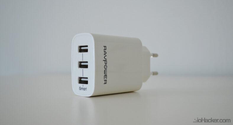 Caricatore USB RAVPower RP-UC12 iSmart||Caricatore USB RAVPower RP-PC006 iSmart Quick Charge 3.0 e 2.0||||Test Voltometro e Amperometro - Caricatore USB RAVPower RP-UC12 iSmart||Comparazione Dimensioni - Caricatore USB RAVPower RP-UC12 iSmart